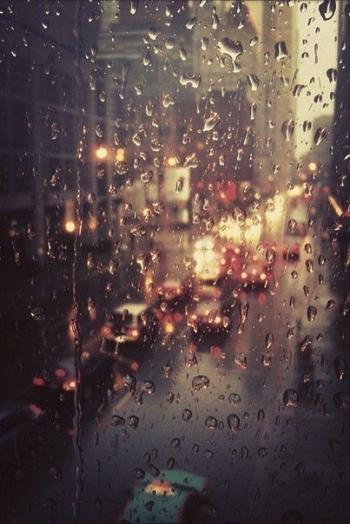 Дощ нуртує