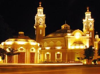 Баку-Бачі – місто нічних вогнів