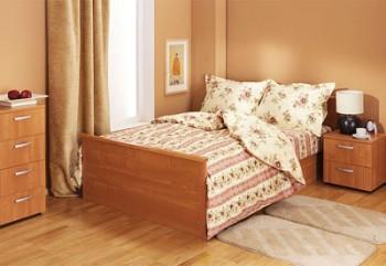Тахта – альтернативный вариант для маленькой спальни.