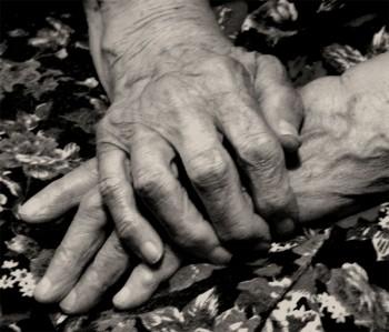 Коли оспівують красу жіночих рук: