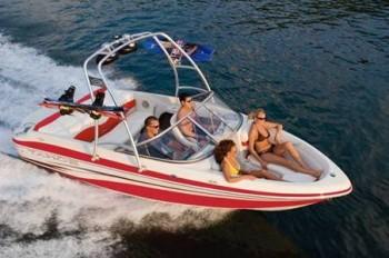 Выбор моря для отдыха на яхте.