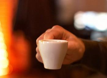Пінка кавова гірчить...