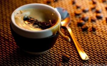 Медова кава з присмаком інтриги