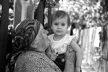 Бавить бабуся внучка