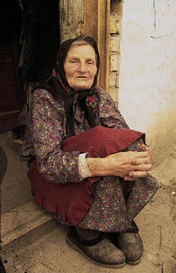 старая мать голая фото