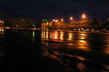 А сонне місто нудиться теплом