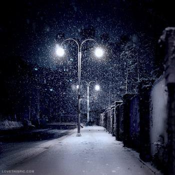 А сніг блукав...