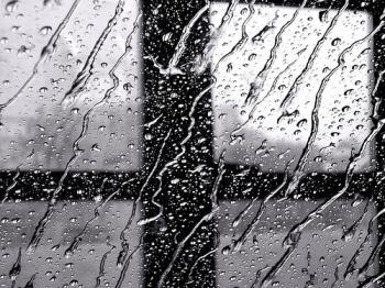 Нудотні дощі