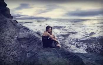 На березі моря