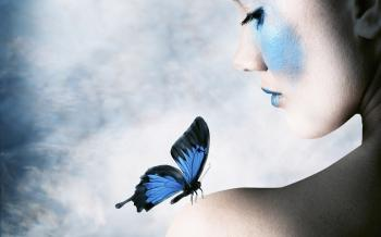 Аналогия синей бабочки