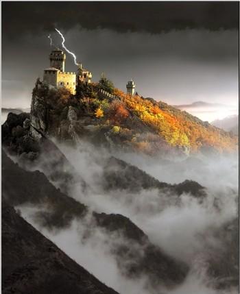 Шторм біля монастиря